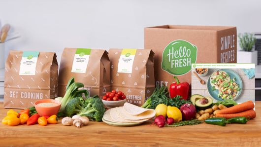 105073794-20170712_HelloFresh3983-CounterBoxBagsCards-Veggie.530x298